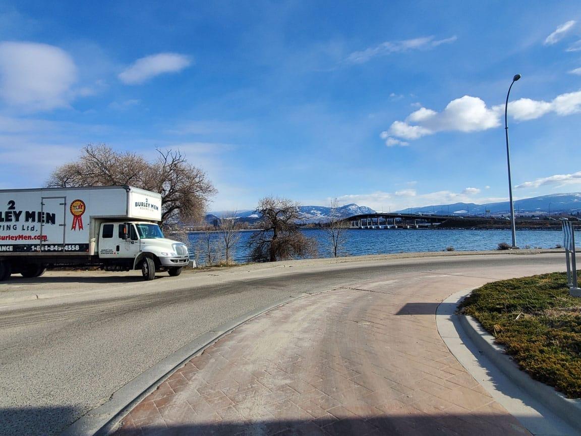 kelowna moving truck